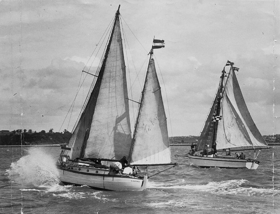 Te Rapunga and Ngataki in Auckland at the start of the Trans Tasman Race, 1934